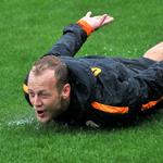 Galatasaray, Arsenal maçı hazırlıklarına sağanak yağmur altında yaptığı çalışmayla devam etti.