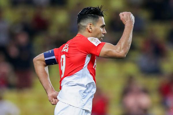 Monaco'nun yıldız golcüsü Radamel Falcao, hafta içinde oynanacak Beşiktaş maçında forma giyemeyebilir.