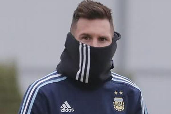 Lionel Messi Arjantin Milli Takımı'nda kimlerin oynaması gerektiğine karar veriyor mu?