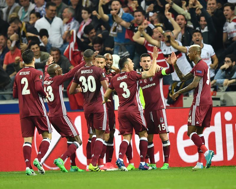 Spor yazarları Lyon-Beşiktaş maçını yorumladı