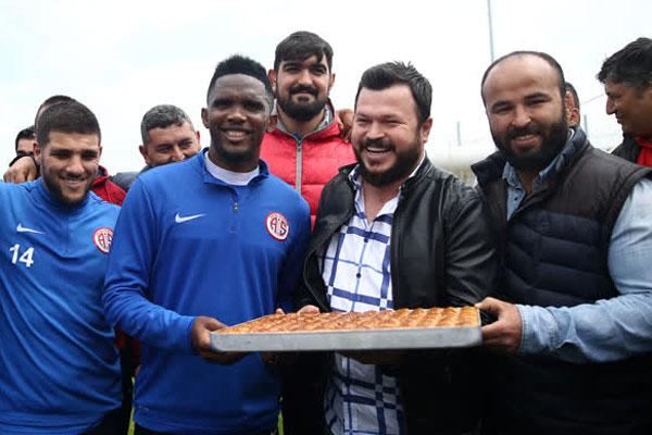 Antalyaspor, Spor Toto Süper Lig'in 28. haftasında 22 Nisan Cumartesi günü sahasında Trabzonspor ile yapacağı maçın hazırlıklarını sürdürdü.