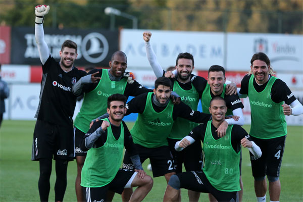 Beşiktaş, Spor Toto Süper Lig'in 29. haftasında 30 Nisan Pazar günü Medipol Başakşehir ile yapacağı karşılaşmanın hazırlıklarına başladı.