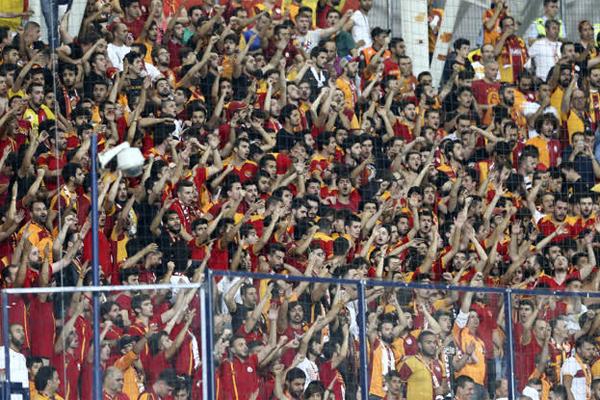 Süper Lig'de sezona iyi başlayan Galatasaray, kombine bilet satışında zirvede yer alıyor.