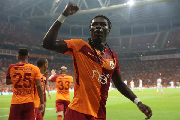 Bafetimbi Gomis rüzgarı Süper Lig'i kasıp kavuruyor.