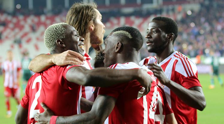 Demir Grup Sivasspor Atiker Konyaspor maç özeti