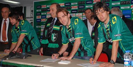 Denizlispor'da imzalar atıldı !..