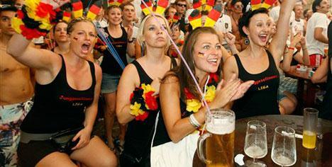 Almanya kendinden geçti!