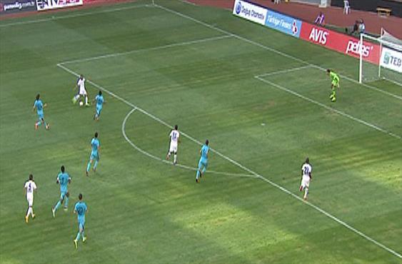 Tita'dan Sneijder golü!