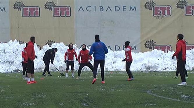 Eskişehir-Balçova maçı ertelendi