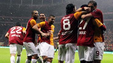 Terim'li G.Saray F.Bahçe'yi 3 golle geçmişti!(ÖZET)