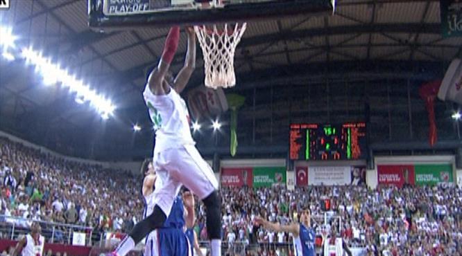 Gabriel Karşıyaka Arena'yı yıktı!