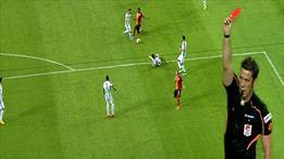 Galatasaray 10 kişi! Carole kızardı!