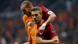Gribal enfeksiyon geçiren Podolski Akhisar maçında forma giyemeyecek