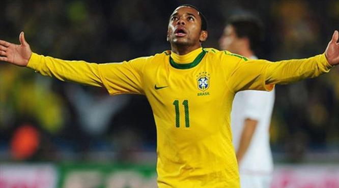 Robinho ülkesine döndü