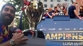 Barça'dan şampiyonluk turu!