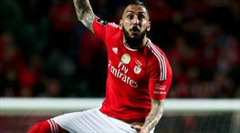 Benfica Mitroglou'nun tapusunu aldı