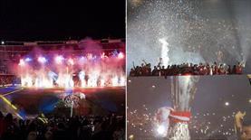 Barcelona ve Sevilla, kupalarını kutladı