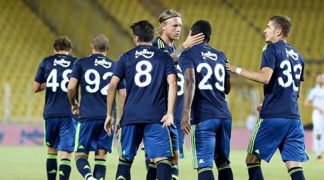 Emenike coştu, Fenerbahçe uçtu