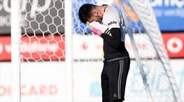 Beşiktaş kalecisi Boyko, el parmağından sakatlandı