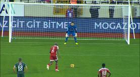 Bir penaltı da Sivas'a! Kone affetmedi
