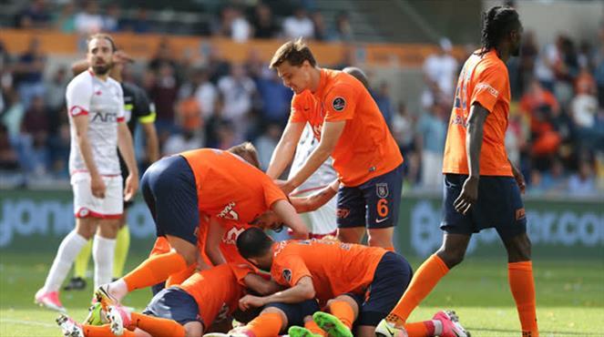 Medipol Başakşehir-Gençlerbirliği: 2-1 (ÖZET)