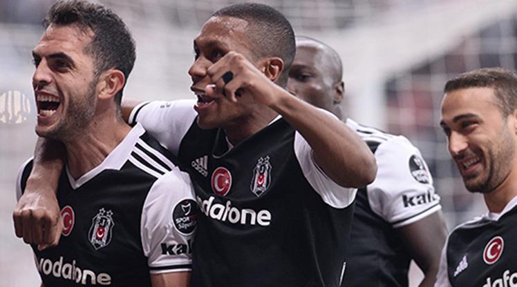Beşiktaş'ın savunması para bastı!