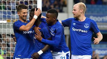 Everton avantajı kaptı!
