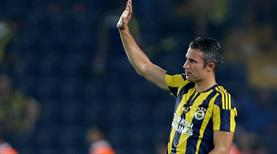 Fenerbahçe'den Robin van Persie geçti