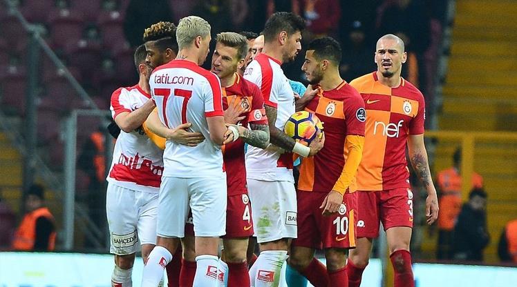 Galatasaray'ın belalısı Antalyaspor!