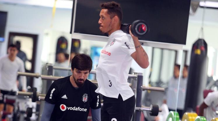 Beşiktaş 12 eksikle çalıştı