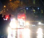 Fenerbahçe'ye protestolu karşılama