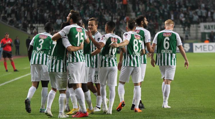 Atiker Konyaspor iç transferde imzayı attırdı