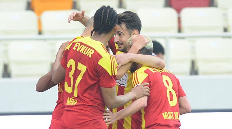Evkur Yeni Malatyaspor - Kardemir Karabükspor: 3-1 (ÖZET)