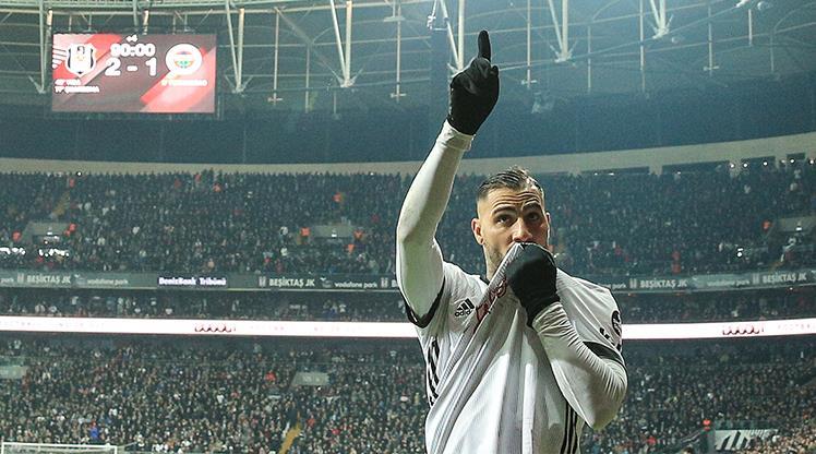 15edeca516 Quaresma dan Vodafone Park ı ayağa kaldıran gol - tr.beinsports.com