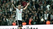 Pepe'den şampiyonluk kutlaması