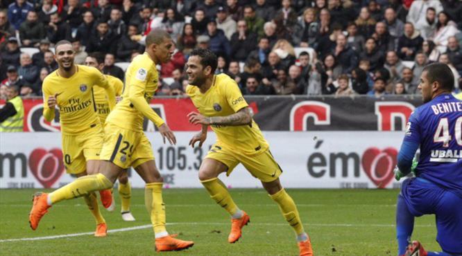 PSG, Alves'le üçlük attı! (ÖZET)