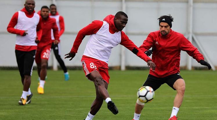 Sivasspor Konya'ya hazırlanıyor