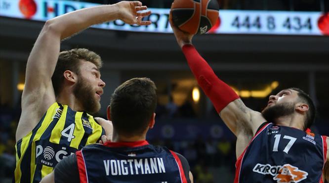 Fenerbahçe Doğuş yolu yarıladı (ÖZET)