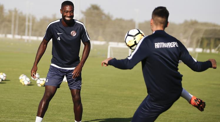 Antalyaspor derbiye hazır
