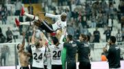 Talisca Beşiktaş'a omuzlarda veda etti