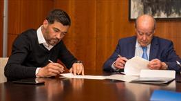 Porto'da imzalar atıldı