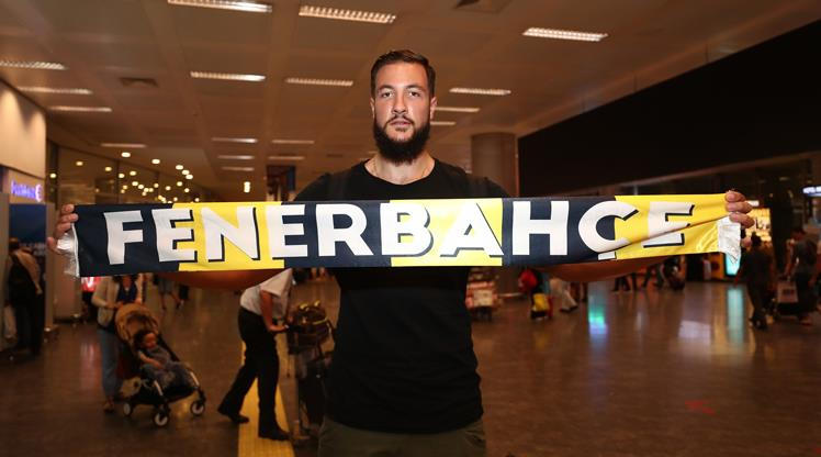 Fenerbahçe'nin yeni yıldızı İstanbul'da