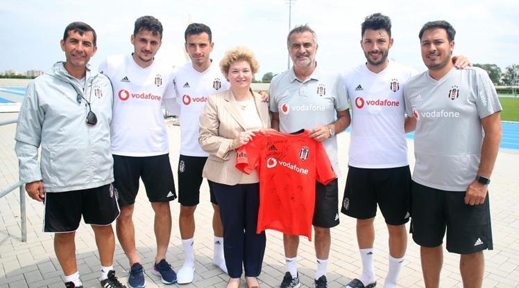 Büyükelçiden Beşiktaş'a ziyaret