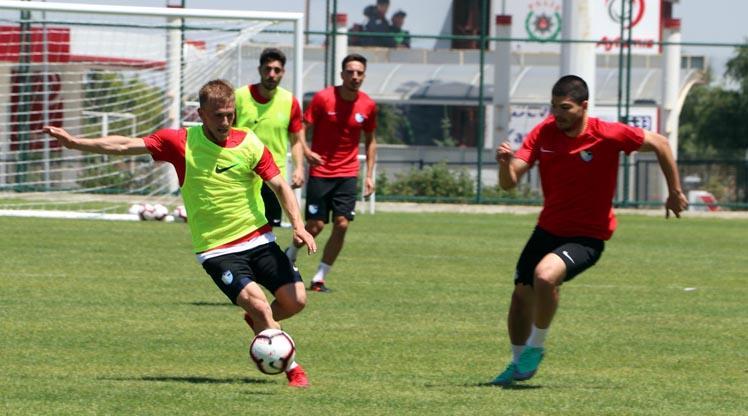 Erzurum'un yenileri takıma katıldı