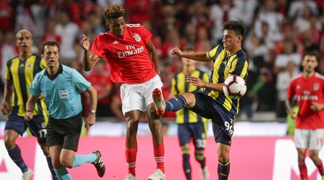 Fenerbahçe turu İstanbul'a bıraktı! (ÖZET)