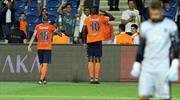 Adebayor oyuna girdi, golünü attı