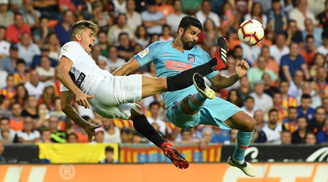 Atletico Madrid kaçtı, Valencia yakaladı (ÖZET)
