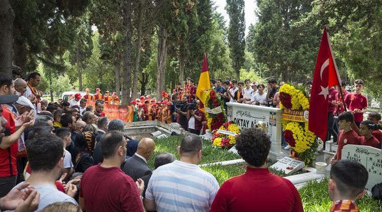 Galatasaray'da Metin Oktay anıldı