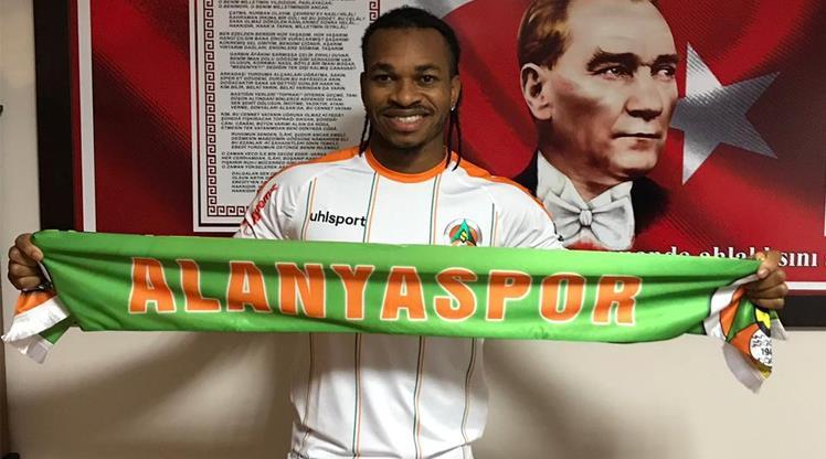 Aytemiz Alanyaspor'a Nijeryalı orta saha!
