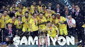 Fenerbahçe Beko, Türkiye Kupası şampiyonluğunu kutladı